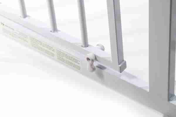 The Venture Q-Fix extra tall safety gate has multiple locking points