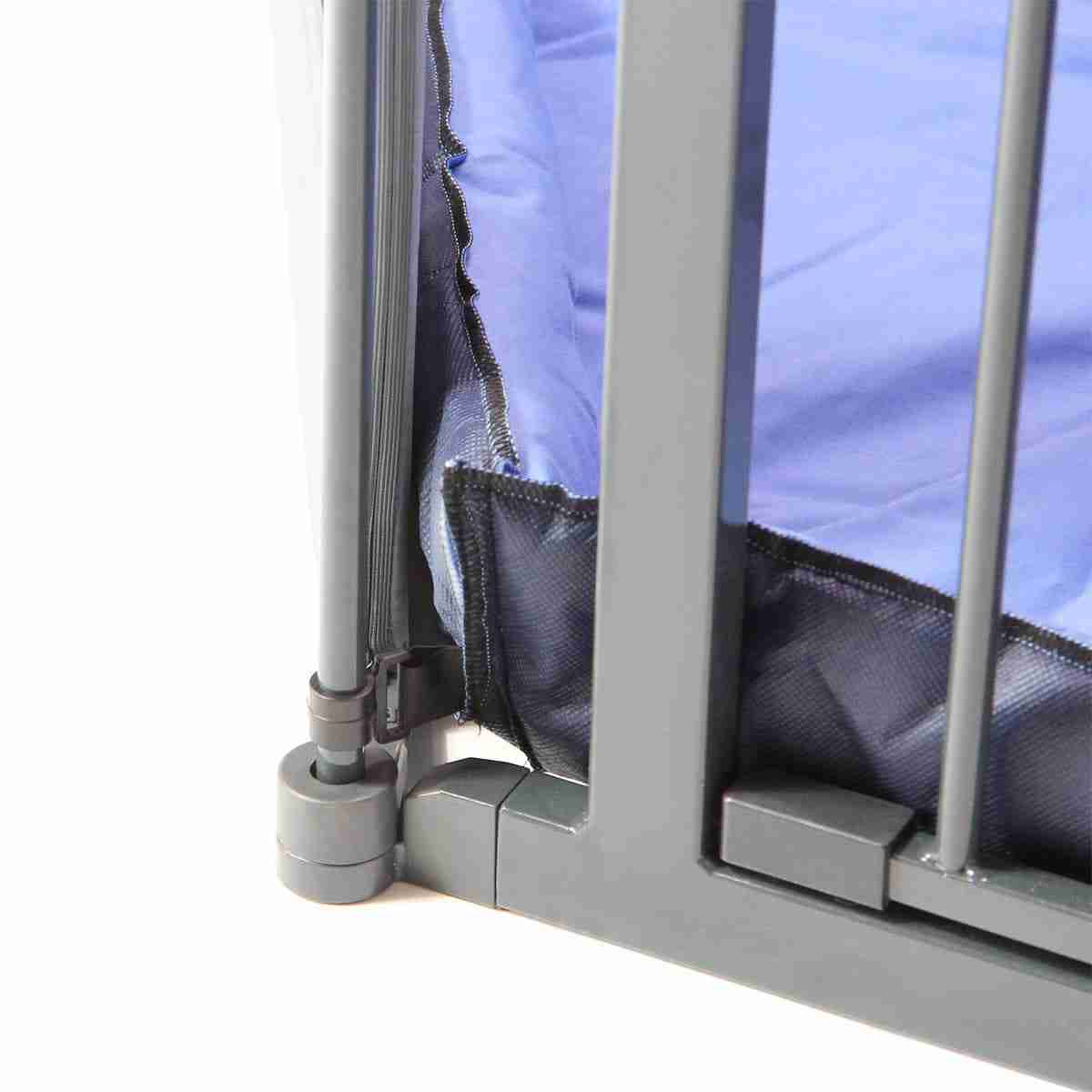 The fitted mat can be securely fitted in place