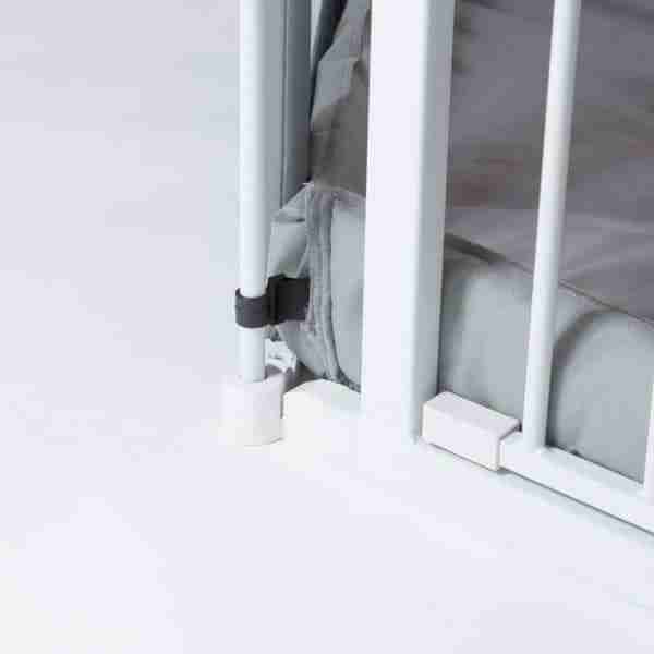 Fitted mat securing clips