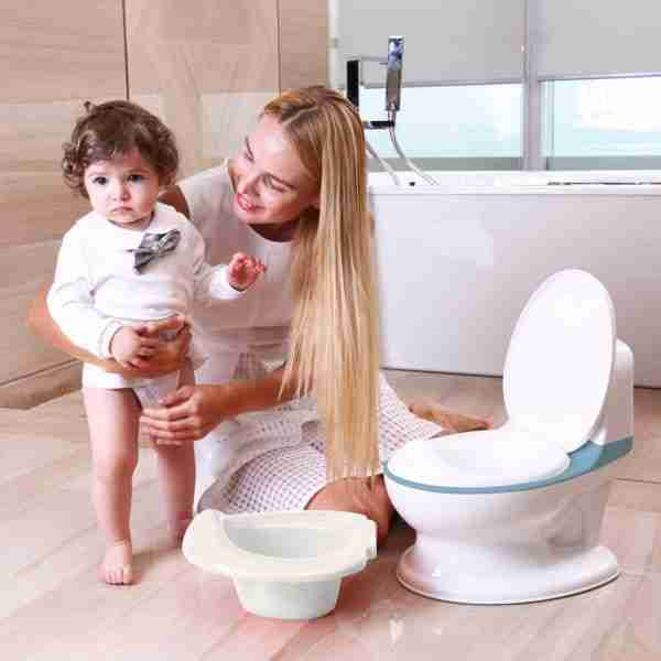 The potty can be empitied easily and fuss free