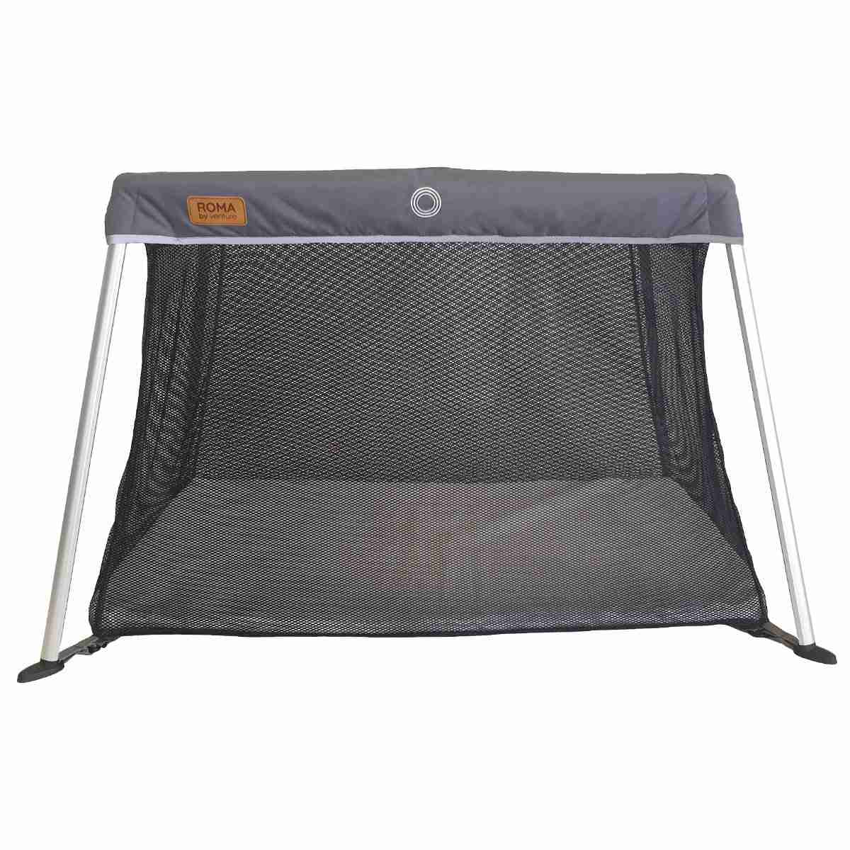 Large and spacious travel cot