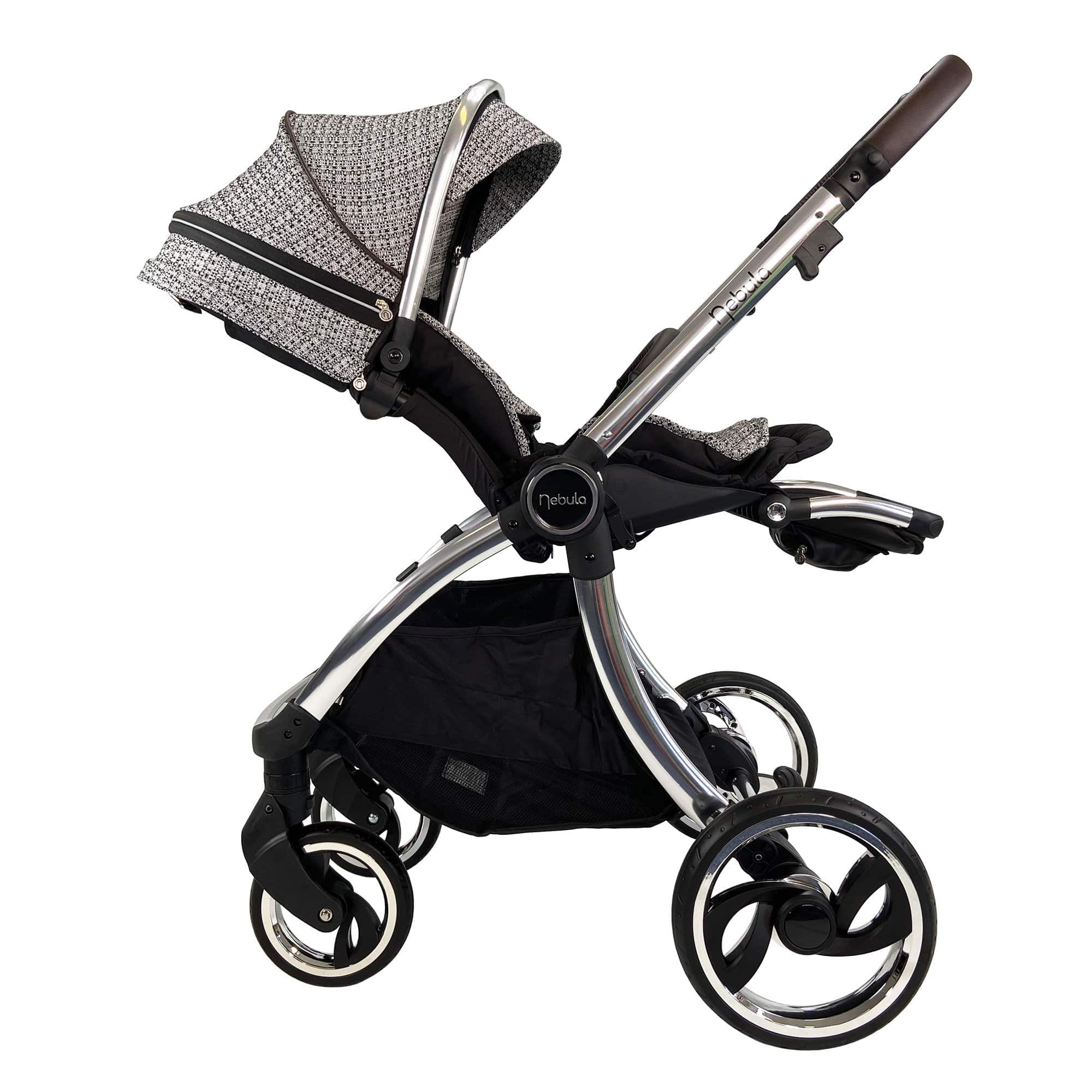 Venture Nebula Signature stroller with seat backrest in reclined position