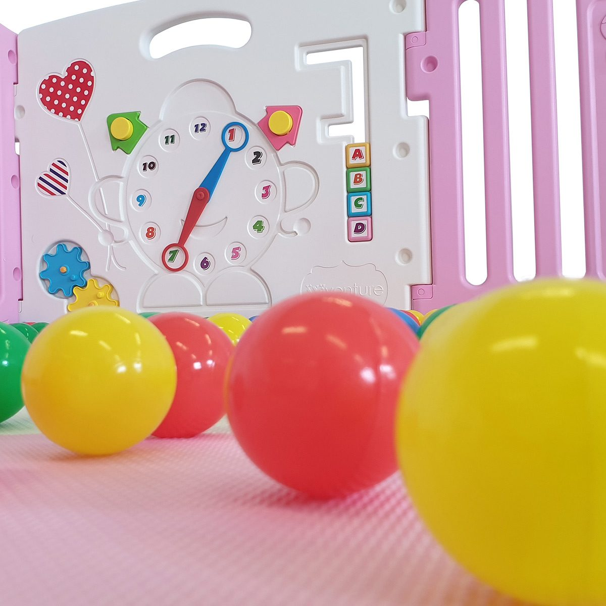 The Venture All Stars DUO Pink baby playpen is packed full of fun and enjoyment.